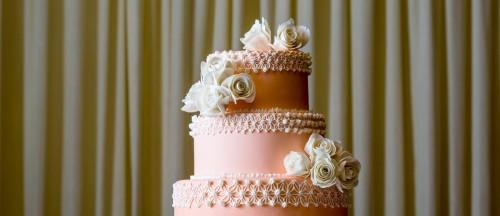 Simple Steps To The Perfect Wedding Cake