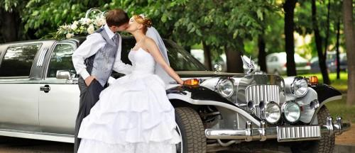 Tips-for-Decorating-Your-Wedding-Car