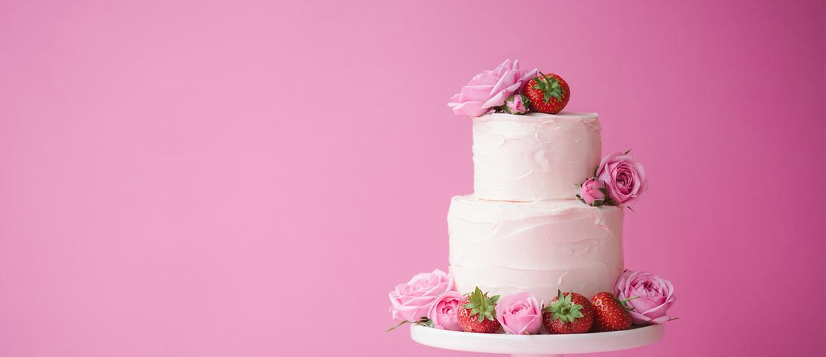 simple elegant chic wedding cakes featured