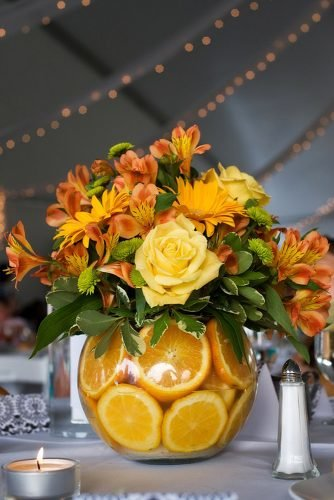 how to make wedding centerpieces jars with roses and lemons