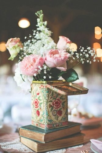 how to make wedding centerpieces vintage tea tin with flowers
