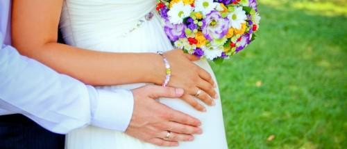 Handling-The-Highs-And-Lows-Of-Being-A-Pregnant-Bride