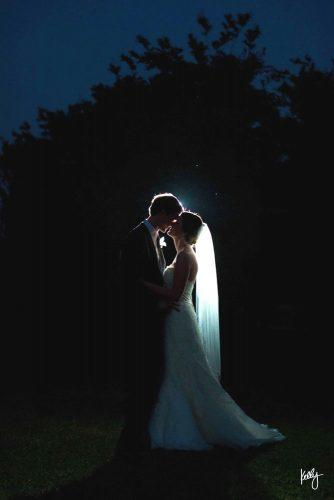 creative tunnel wedding photos 2