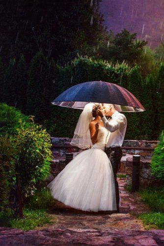 creative salut wedding photos 2