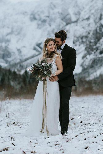 winter wedding wedding outfit ideas