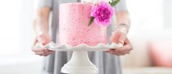 10 Easy Tips On How To Make A Wedding Cake