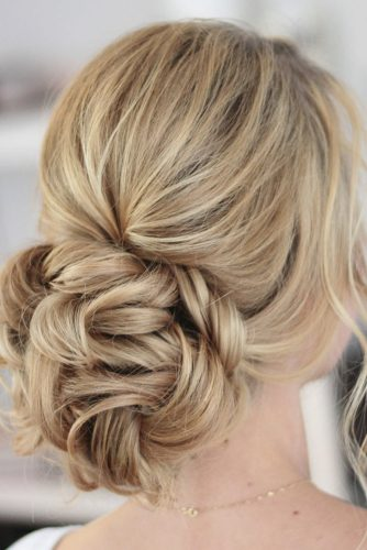 hottest bridesmaids hairstyles ideas messy bun on medium blonde hair slmakeupandhair