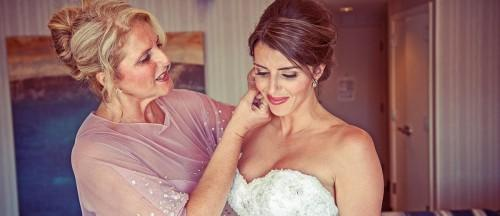 5 Ways To Include Your Mom In Wedding Planning