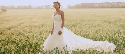 15 classic wedding dresses you cant go wrong with featured