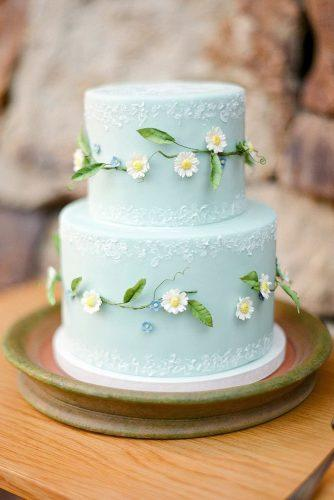 rustic wedding cakes blue with texture and daisies meganjoycakes via instagram