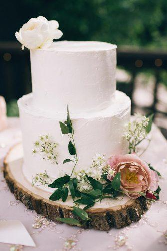 rustic wedding cakes buttercream white with fresh flowers rachael ellen events via instagram
