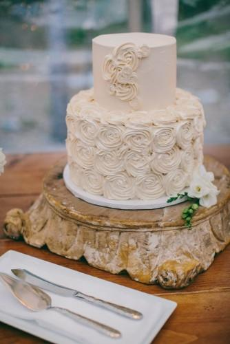 18 beautiful buttercream wedding cakes 15