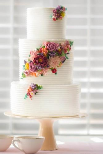 18 beautiful buttercream frosted wedding cakes 2