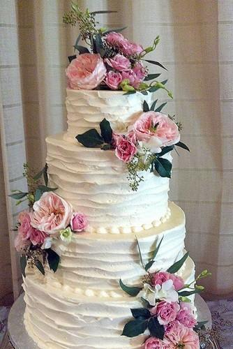 18 beautiful buttercream wedding cakes 5