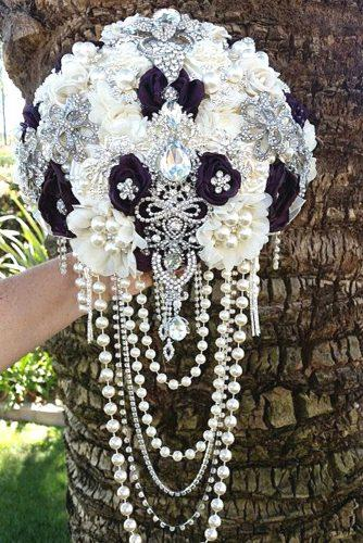 brooch wedding bouquets with cristals and cascading pearls