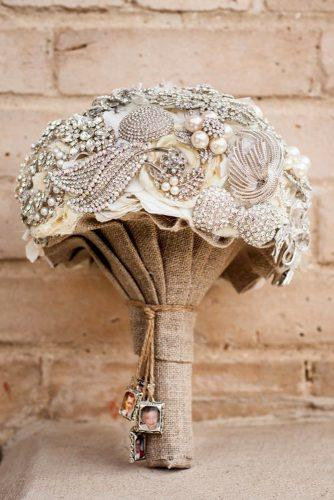 brooch wedding bouquets with cristals and rustic decor