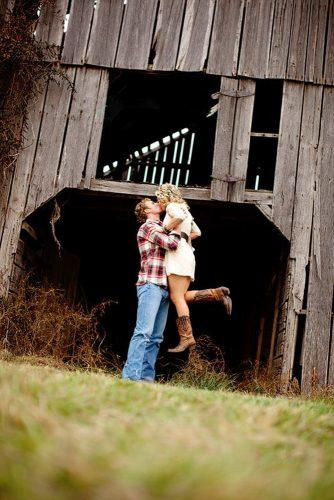 engagement photo ideas in a texas style anna pociask photography