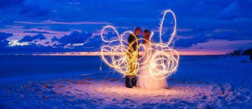 sparkler photo ideas and tips featured