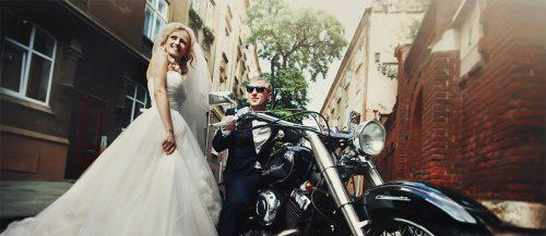 30 Wedding Exit Photo Ideas For Modern Couples