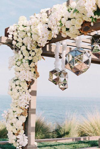 wedding decor trends geometric mirror décor on wedding altar intertwined events