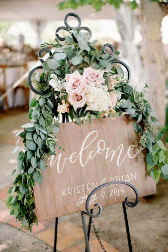 welcome rustic wedding signs wood and flower