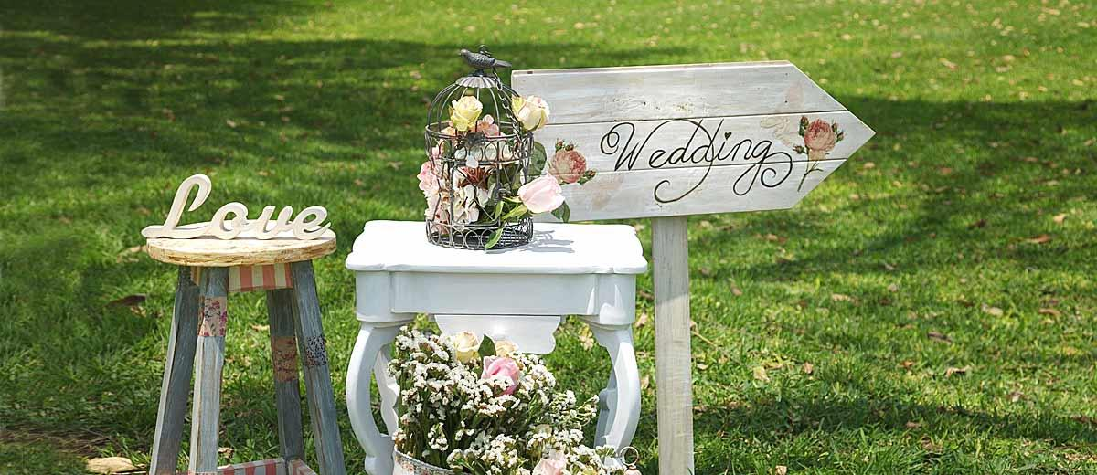 Shabby & Chic Vintage Wedding Decor Ideas | Wedding Forward