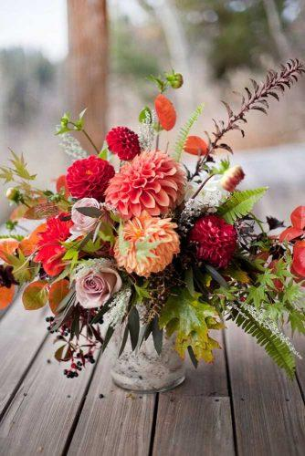 fall wedding dahlias bouquets 1