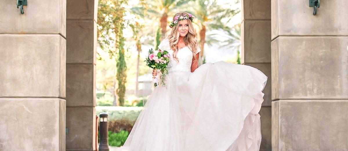 30 Simple Wedding Dresses For Elegant Brides