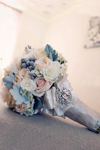 gorgeous winter little wedding bouquets 1