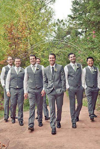 groomsmen wedding photos 10