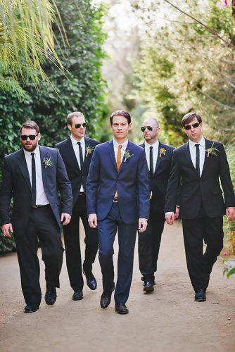 groomsmen wedding photos 11