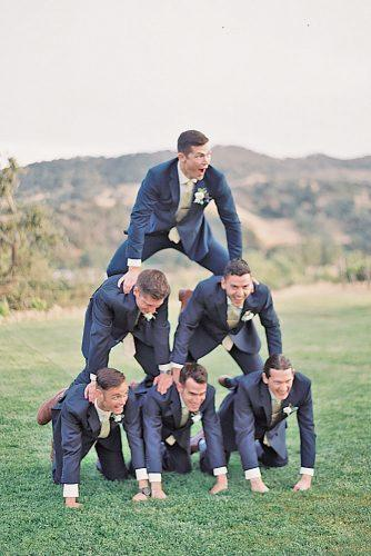 groomsmen wedding photos 15
