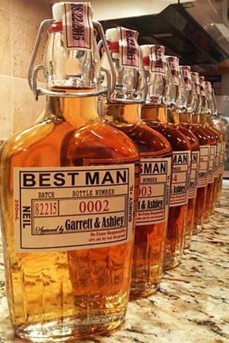 groomsmen proposal ideas best man bottle wiskey idoartsyweddings