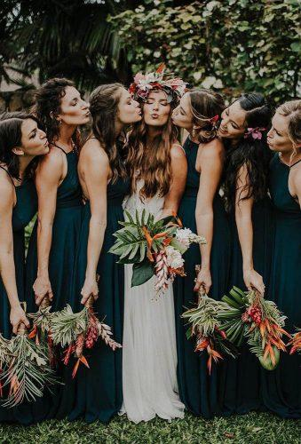 rustic wedding bride with friends hello_miss_lovely