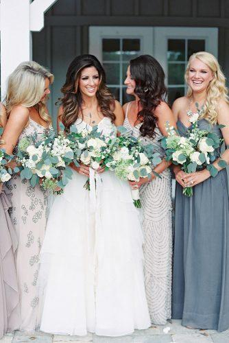rustic wedding girls with cren bouquet laurenpeelephotography