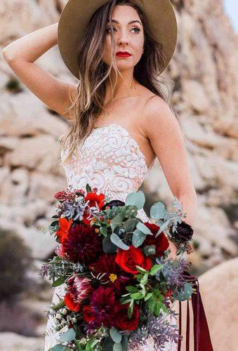 rustic wedding rustic bride red bouquet nnabeth photos