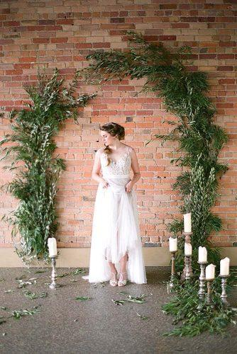 green backdrops and arches ideas 3