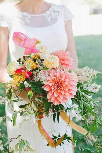 popular-wedding-flowers-bouquet-with-dahlias-one-love-photo