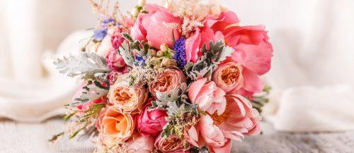 popular wedding flowers featured
