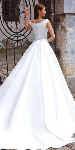 twins angelina jolie wedding dress 1