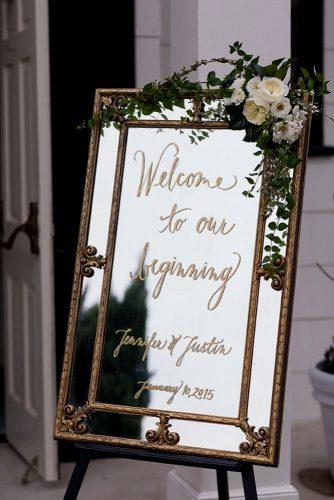 mirror wedding idea welcom mirror weddind sign with rose and greenery