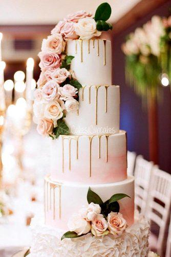 gold drip wedding cakes 1
