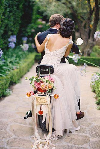 wedding photographers scooter with flowers josevilla