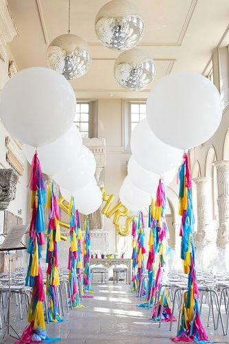 wedding-receptions-decor-with-big-balloons-faye-cornhill-photography