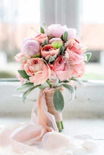 bridesmaid wedding bouquets pink roses and peonies diana frohmüller photography