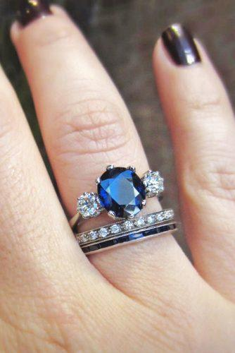 three stone engagement rings with blue sapphire stone 3