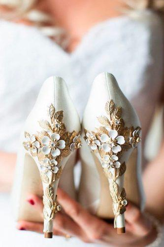 white wedding shoes high heels vintage floral truegracephoto
