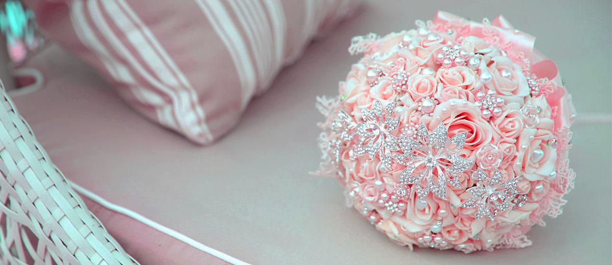 brooch wedding bouquets featured