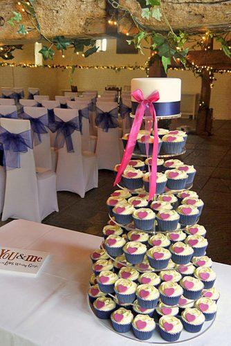 chocolate wedding cupcake simple with cream and wedding cake decorated with pink ribbons and hearts little ice dgems