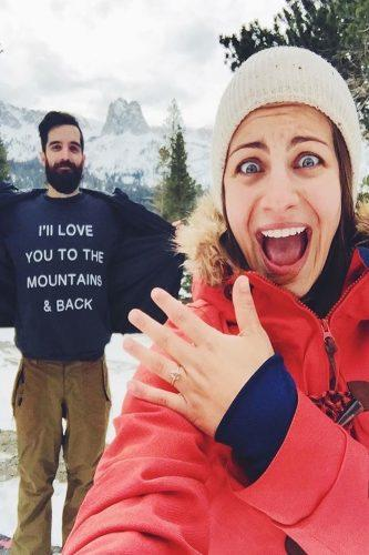 creative marriage proposal with t-shirt